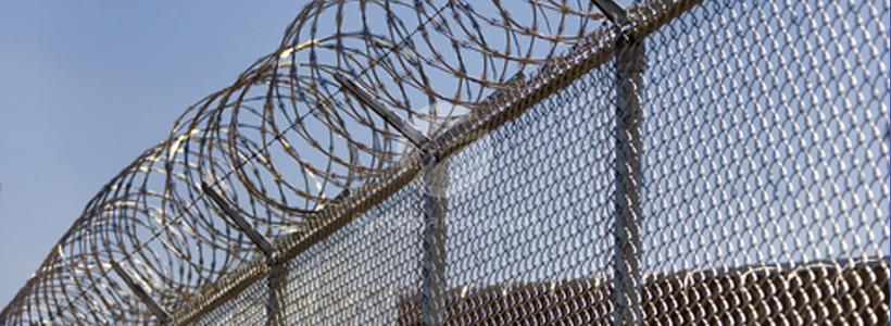 Austria urmeaza modelul Ungariei: un nou gard de sarma lamata BTO la granita impotriva imigrantilor